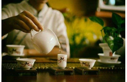 哪些人不能通过喝茶去养生,哪些情况下不能喝茶你知道吗?