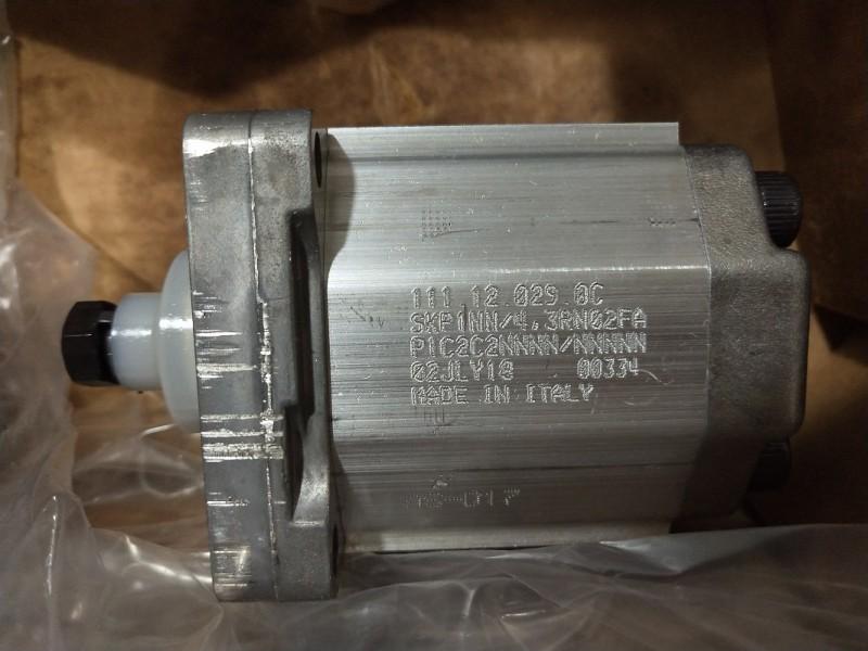 SAUER-SUNDSTRAND油泵